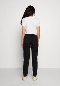 Noisy May Tall - JENNA - Straight leg jeans - black denim - 2