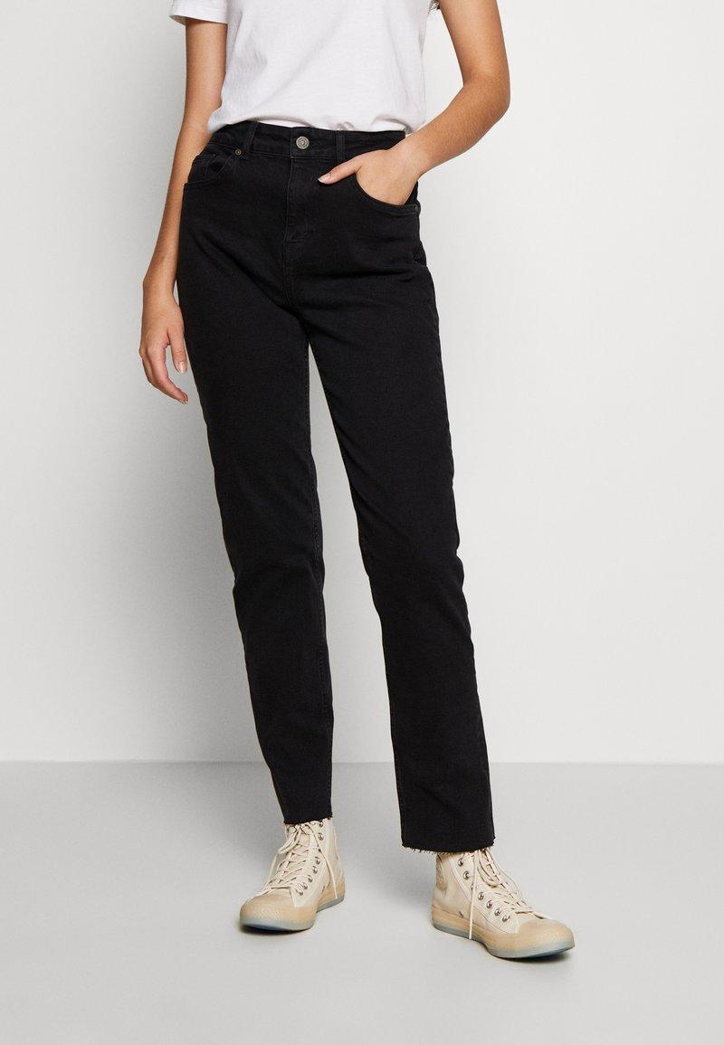Noisy May Tall - JENNA - Straight leg jeans - black denim