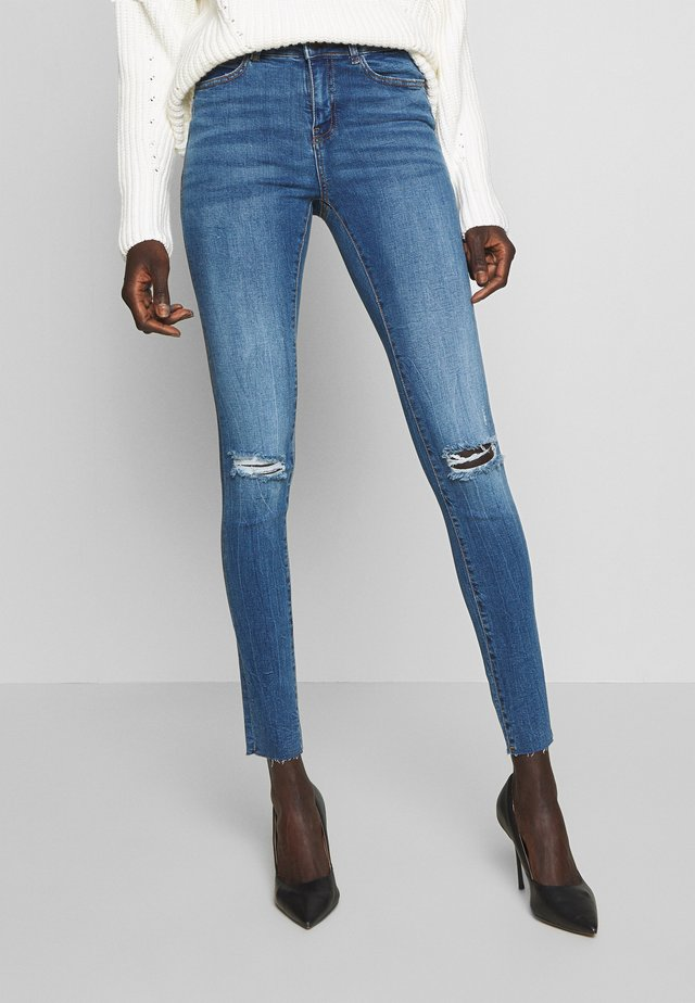 NMLUCY ANK - Skinny džíny - medium blue denim