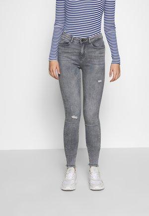 NMLUCY - Skinny džíny - light grey denim