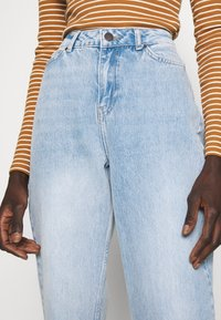 Noisy May Tall - NMLISA VOLUM - Jeans Straight Leg - light blue denim - 3