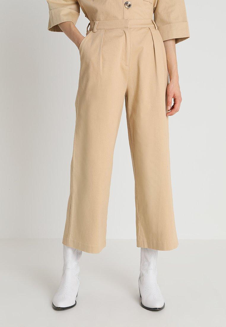 NORR - SHAE PANTS - Pantalon classique - camel