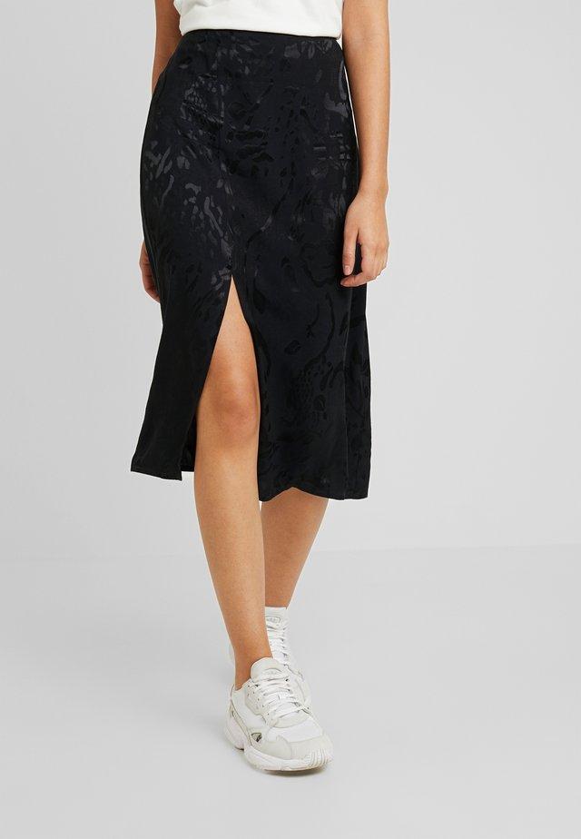 MEDI SKIRT - Spódnica trapezowa - black