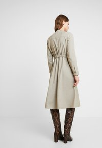 NORR - EDEN DRESS - Skjortekjole - beige - 2