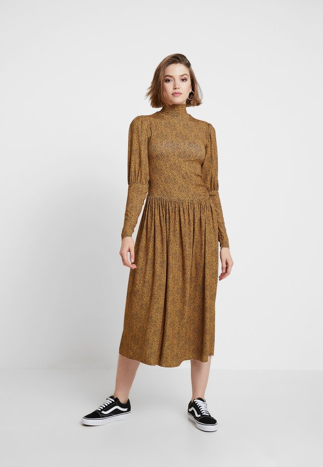 LUCILLE DRESS - Jersey dress - yellow brown