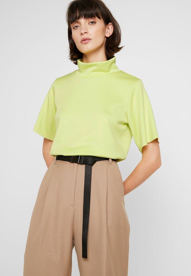 DEVIN TEE - T-shirt z nadrukiem - neon yellow