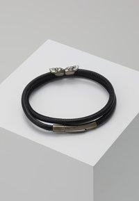Northskull - SKULL WRAP AROUND BRACELET - Armband - black - 2