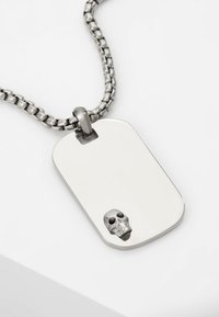 Northskull - ATTICUS SKULL TAG NECKLACE - Necklace - silver-coloured - 5