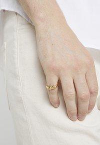Northskull - ATTICUS TWIN SKULL - Prsten - gold-coloured - 1