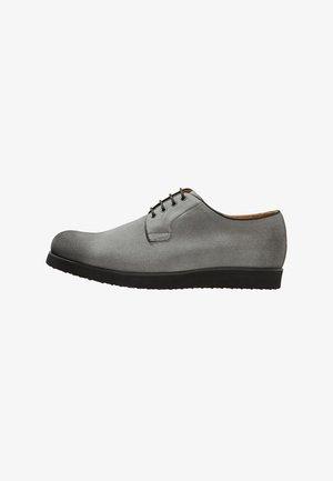 MARC - Sporty snøresko - grey