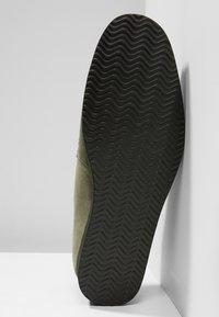 NOIRE LINE - MARC - Volnočasové šněrovací boty - olive - 4