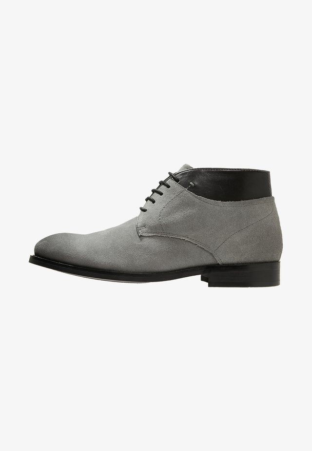 STONE - Stringate sportive - grey/black
