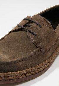 NOIRE LINE - WOOD - Volnočasové šněrovací boty - brown - 5