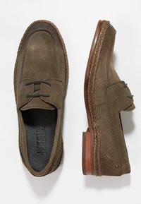 NOIRE LINE - WOOD - Volnočasové šněrovací boty - brown - 1