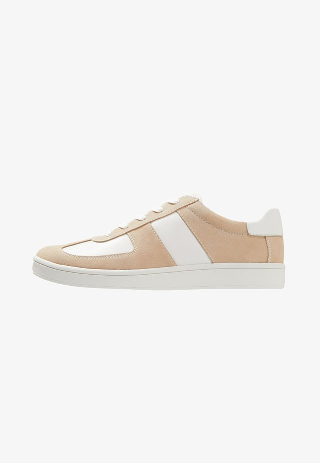 TEDDY - Trainers - sand