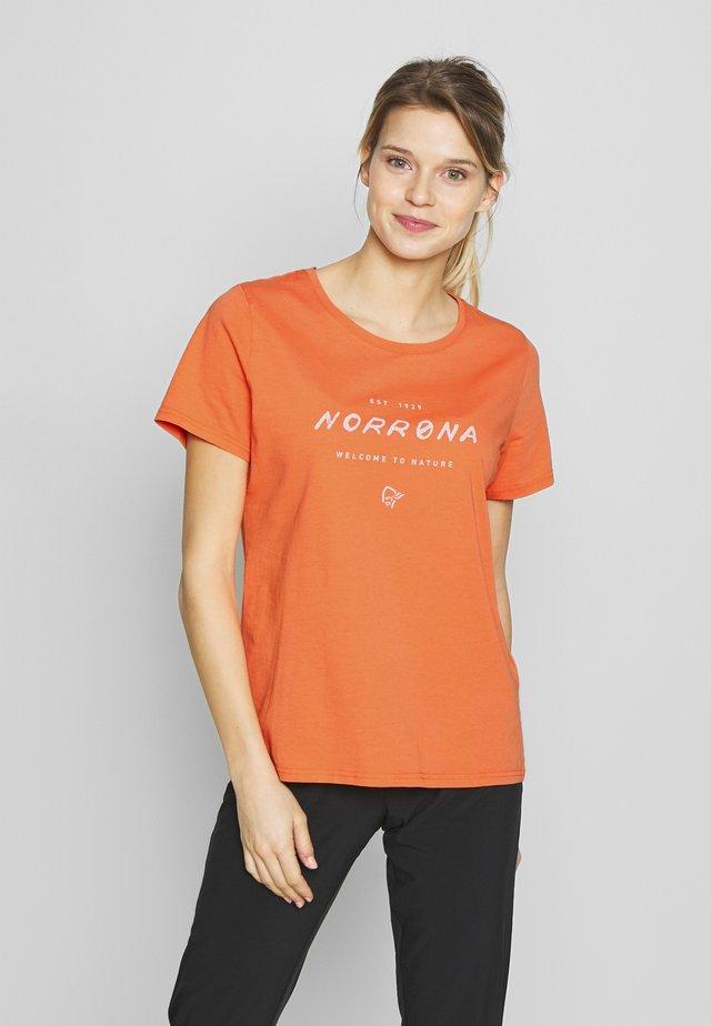 LEGACY - T-shirt z nadrukiem - flamingo