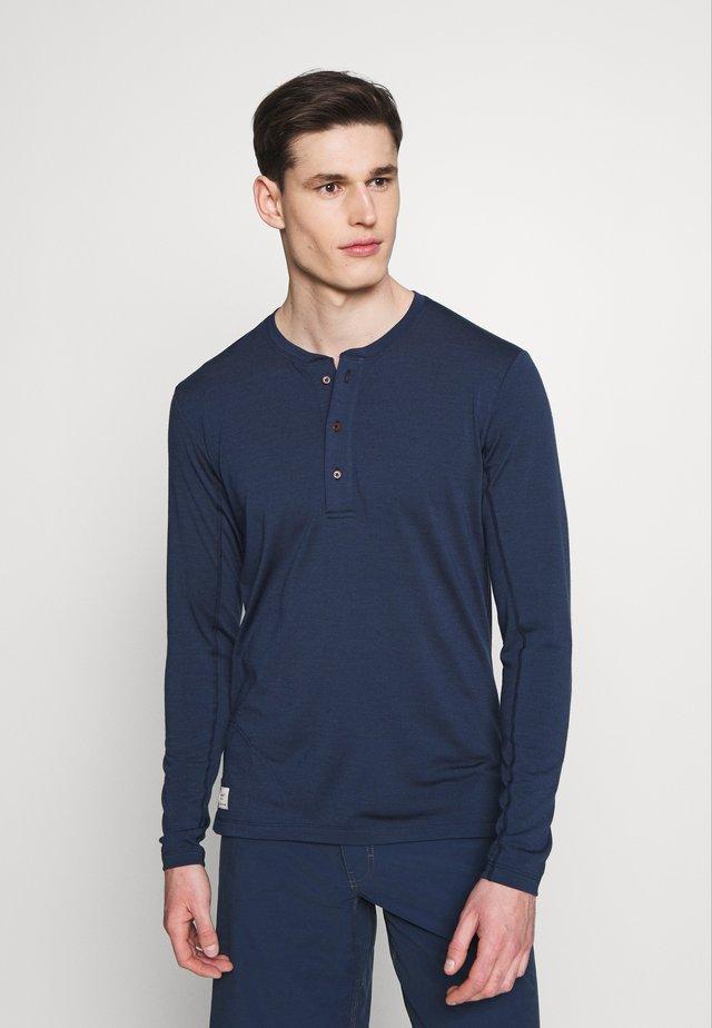 SVALBARD GRANDPA SHIRT - Bluzka z długim rękawem - indigo night
