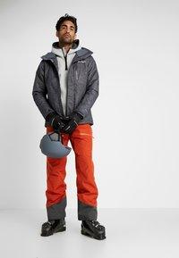 Norrøna - LOFOTEN GORE-TEX INSULATED PANTS - Snow pants - rooibos tea - 1