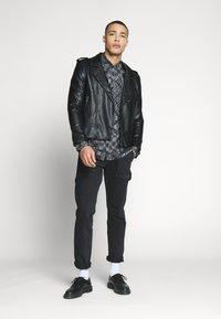 Nominal - PAUSE  - Overhemd - black - 1