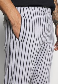 Nominal - ELISTA JOG - Pantalones deportivos - grey - 5