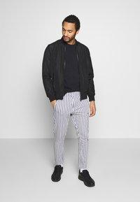 Nominal - ELISTA JOG - Pantalones deportivos - grey - 3