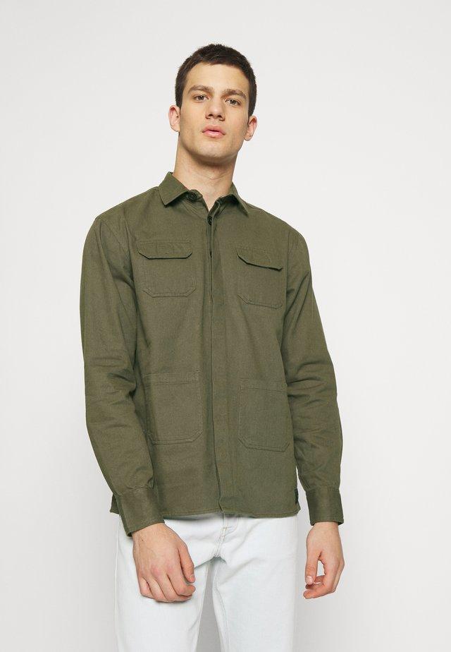 UTILITY - Košile - khaki