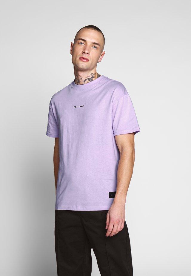 RISE TEE - T-shirt z nadrukiem - pastel neon purple