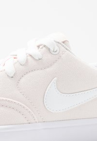 Nike SB - CHECK SOLAR - Sneakers laag - light soft pink/white - 2