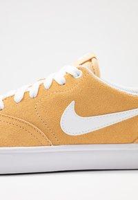 Nike SB - CHECK SOLAR - Sneakers - celestial gold/white - 2