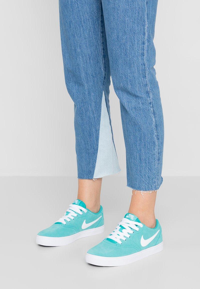 Nike SB - CHECK SOLAR - Sneakers - cabana/white/black