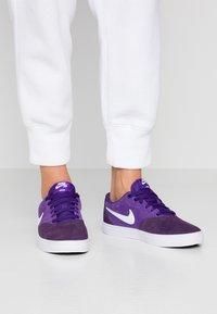 Nike SB - CHECK SOLAR - Sneakers - grand purple / white - 0