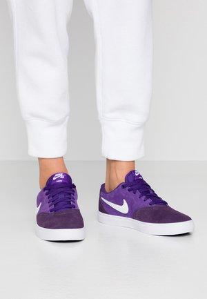CHECK SOLAR - Sneakers - grand purple / white