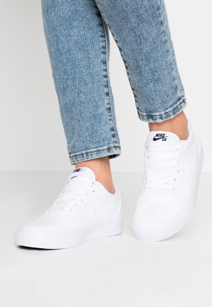 CHARGE - Sneakers laag - white
