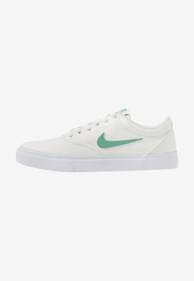 CHARGE - Sneakersy niskie - sail/healing jade/white