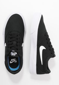 Nike SB - CHARGE - Sneakersy niskie - black/white - 3