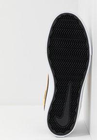 Nike SB - PORTMORE II SOLAR - Sneakers laag - midnight navy/universe gold/white/black - 4