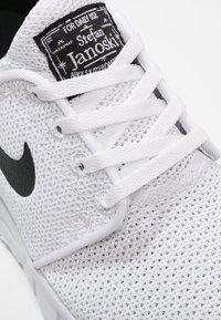Nike SB - STEFAN JANOSKI MAX - Sneakers laag - white/black - 5