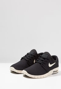 Nike SB - STEFAN JANOSKI MAX - Sneakers laag - black/light cream - 2