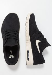 Nike SB - STEFAN JANOSKI MAX - Sneakers laag - black/light cream - 1