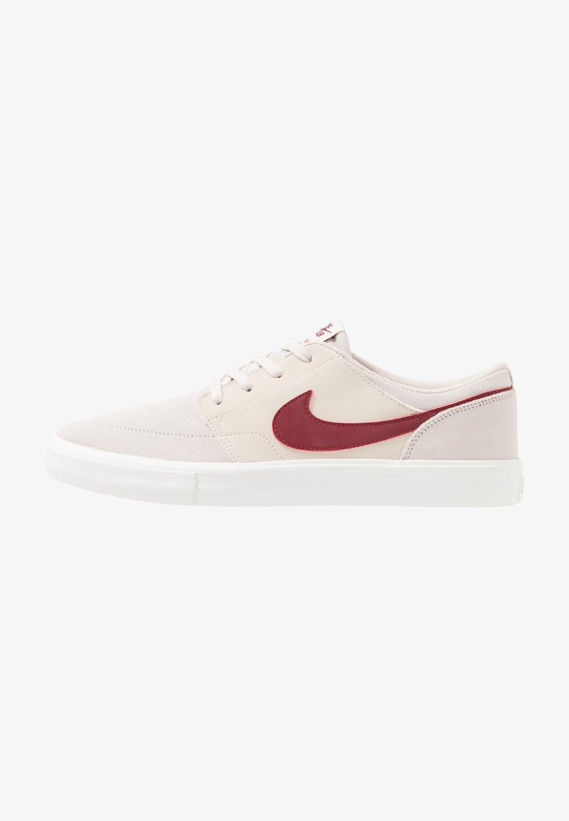 Nike SB - PORTMORE II SOLAR - Skatesko - desert sand/team red/summit white/black