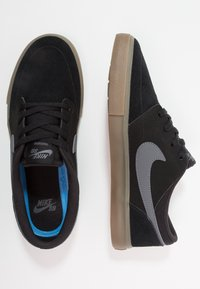 Nike SB - PORTMORE II SOLAR - Zapatillas skate - black/light brown/dark grey - 1
