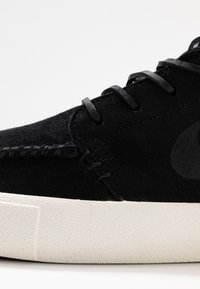 Nike SB - ZOOM JANOSKI MID CRAFTED - Zapatillas altas - black/pale ivory - 5