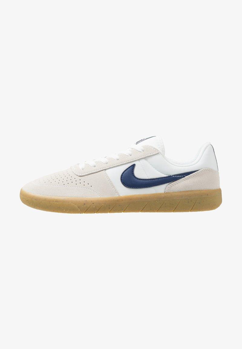 Nike SB - TEAM CLASSIC - Zapatillas - summit white/blue void/white/light brown