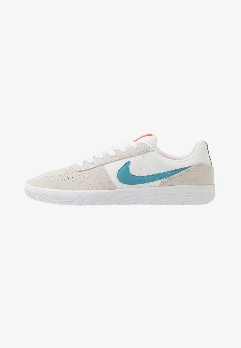 Nike SB - TEAM CLASSIC - Skateschoenen - summit white/cerulean/white/laser crimson
