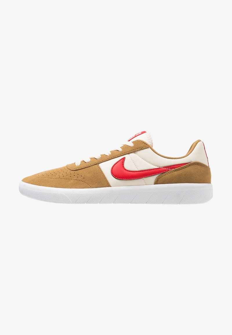 Nike SB - TEAM CLASSIC - Sneaker low - golden beige/university red/white/light cream
