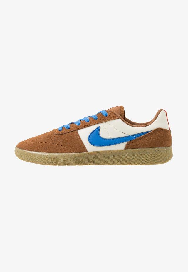 TEAM CLASSIC - Skateschuh - light british tan/pacific blue/pale ivory/bright crimson/light brown