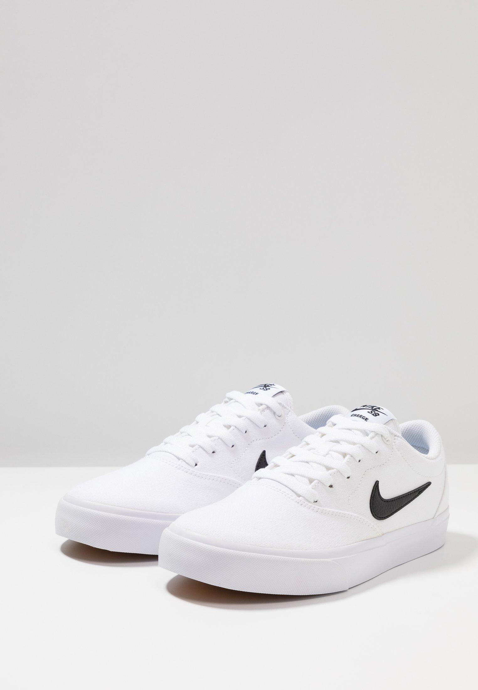 Nike SB CHARGE - Sneakersy niskie - white