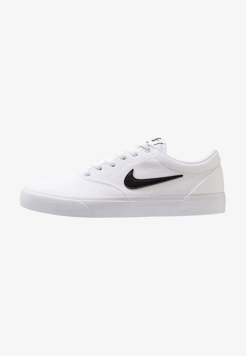 Nike SB - CHARGE  - Sneakersy niskie - white