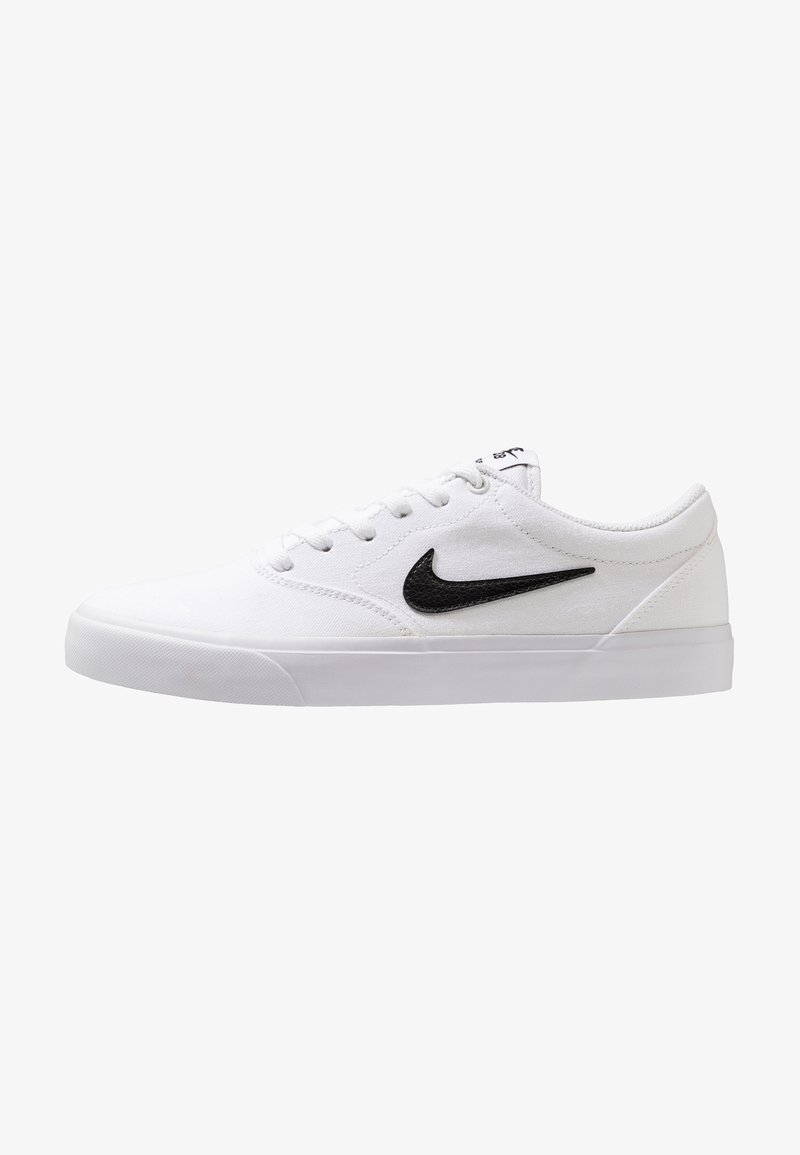 Nike SB - CHARGE  - Matalavartiset tennarit - white