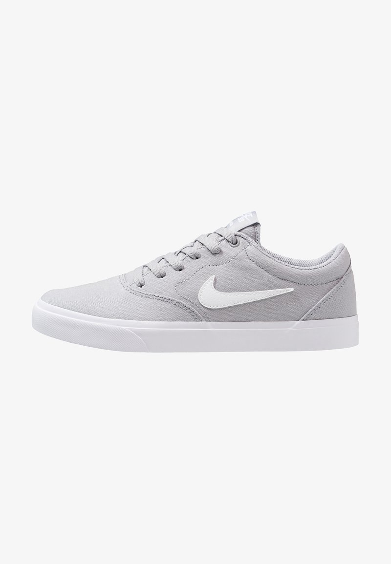 Nike SB - CHARGE  - Sneaker low - wolf grey/white